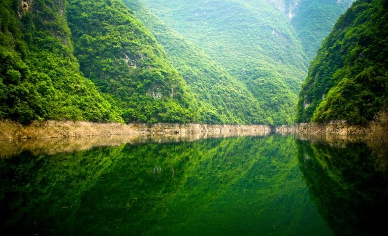 Shennongxi Stream, tributary of the Yangtze river